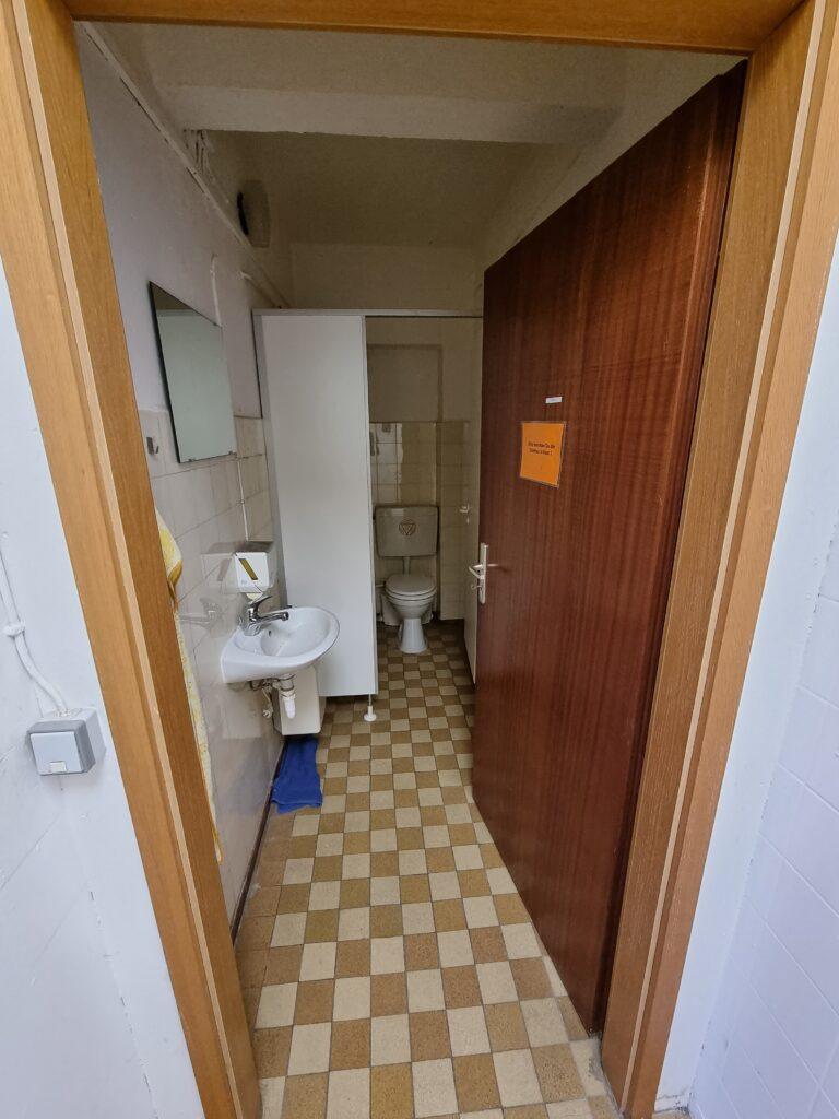 Souterrain Büro WC